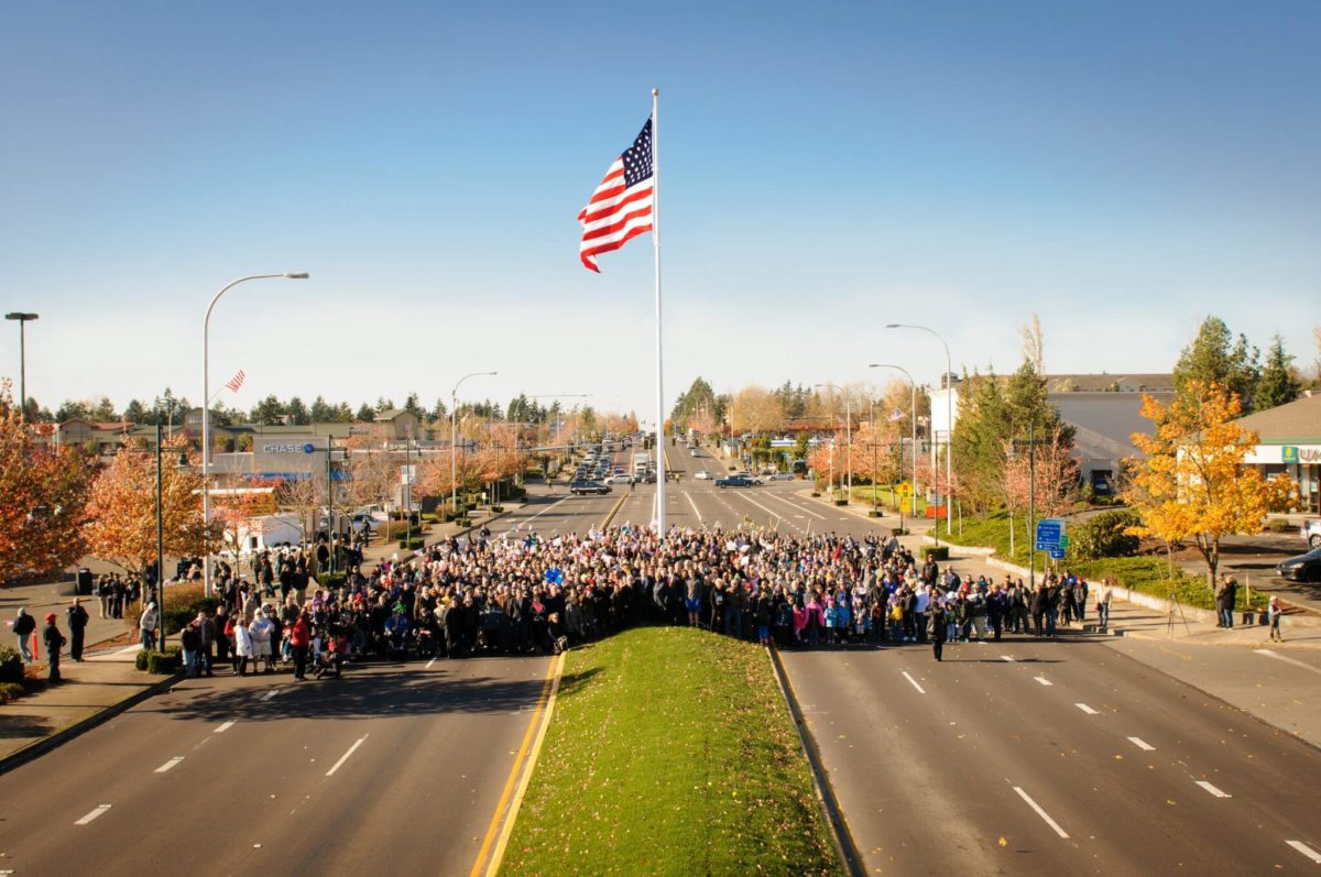 By Darel Roa Photography – City of Federal Way, Raise the Flag Event, 11/11/2014, Public Domain, https://commons.wikimedia.org/w/index.php?curid=45576923